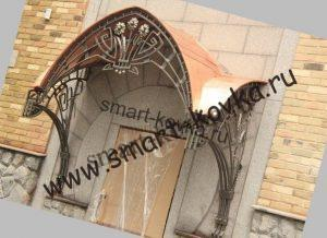 кованый козырек над входом