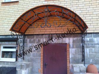 Козырек над входом кованый
